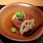 61716757 - ローストビーフと秋野菜の煮物