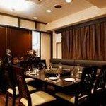 香港料理・リップスティック - 【個室:真珠】10~16名様迄ご利用可能 ◆特徴:慶事・法事等に合う個室です。