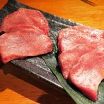 炭火焼肉たむら - 厚切り牛タン 1380円