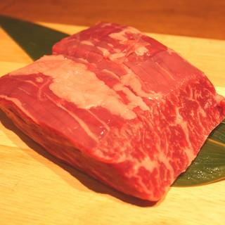 肉のプロフェッショナルが厳選したこだわりのお肉