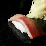 寿司栄 掛尾店 - ぶり