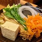 どん亭 - 野菜盛り(2017.01)