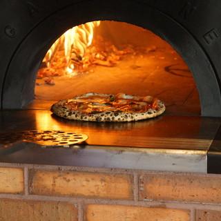 薪釜で焼くPIZZA