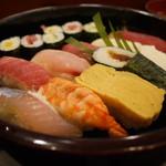 加茂寿司 - にぎり1.5人前 1250円。