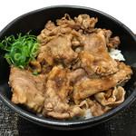 肉まる商店 - カルビ丼529円(税込)