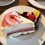 484cafe - フレッシュチーズケーキ@フロマージュクリュ。あっさりとしたチーズとラズベリー。とっても柔らかい