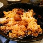 博多屋 - 鉄鍋にご飯投入(笑)