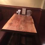 DININGあじと - テーブル席☆⌒d(^_、^o)ノ