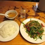 神田餃子屋 - 青椒肉絲