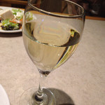 61750215 - 白ワイン グラス