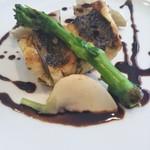 トラットリア ピノーロ - 黒鯛の香草焼き バルサミコソース