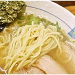 菜華 - ムニムニとした弾力が気持ち良い麺。