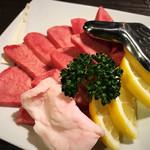 焼肉ぷるこぎ - 牛タン塩(厚切り)