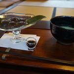 61756796 - わらび餅と抹茶
