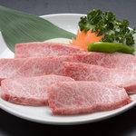 すみ屋 - 料理写真:上カルビ、柔らかな食感、とろける旨みが最高です。