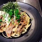 miya - 黒毛和牛の焦がしバター醬油スパゲティ 和野菜サラダ添え