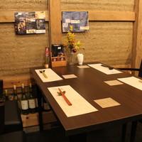 ◆◆カウンター席、テーブル席◆◆