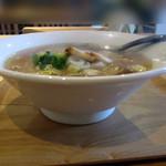 麺や 佐渡友 - 醤油らー麺600円