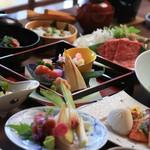 旅館花屋 - 料理写真:和の繊細さが際立つ、会席料理