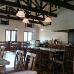 オールド カフェ - 広くて穏やかな空間