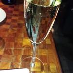 61769380 - スパークリングワイン