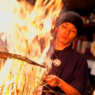 1M以上もの炎を上げる藁焼きシーンは必見!!