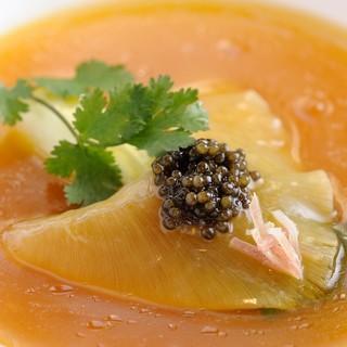 高級食材を使用した本格中華料理。接待でも利用できるお店です