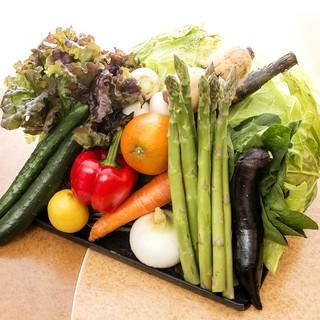 【地産地消】食材の宝庫!九州の素材を大切に調理します。