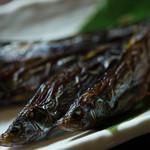 ナンリ亭 - 黒シシャモ燻製炙り