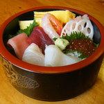 ともえ鮨 - 料理写真:ちらし寿司