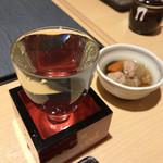 もつ焼 坊っちゃん - お通しと日本酒