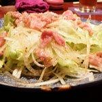 飛騨季節料理 肴 - 飛騨牛霜降り肉の牛しゃぶサラダ