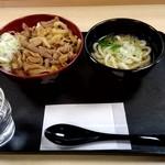 61815626 - パンチ丼セット 730円
