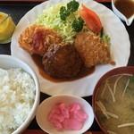 洋食のみかさ - A定食:ハンバーグ/カニコロッケ/ヒレカツ