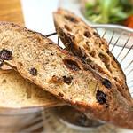 ルポ - 2種類のパンも絶品