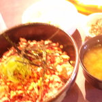 焼肉 ミリヤン - 牛トロ丼ランチです。