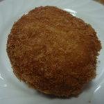 6182606 - 麺そばコロッケ、100円。