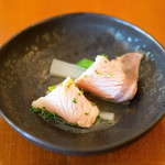リコス・キッチン - アミューズは分葱とウドのブリしゃぶです(*^^*)