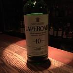 ダックテールス - ドリンク写真:まずはラフロイグを飲もう
