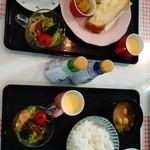 カフェダイニング ソラ - リピートでモーニングに。パンモーニングとご飯モーニングを一つずつたのみました。美味しい‼ワンコインというのも魅力的。