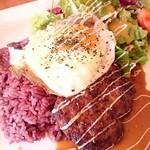 Cafe Spring - ロコモコ丼。旨かった~♪