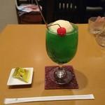 アルル - クリームソーダ600円