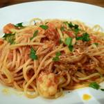 イル デリツィオーゾ - 釜揚げシラスとカリフラワーのピリ辛トマトソース スパゲティー