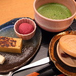 61829076 - 焼き芋ようかんと抹茶
