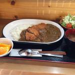 わらしべちょー茶 - カツカレー900円