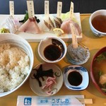 道の駅うずしおレストラン - 白い海鮮丼全景