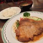 キッチン マカベ - キッチン マカベ(東京都世田谷区祖師谷)ポークジンジャー(ライス・みそ汁付)1430円