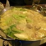 やきとり家すみれ - 濃厚鶏白湯鍋