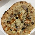 ピッツァ ヴェルデ - チキンコンフィ 青木養鶏場さんのチキンのコンフィがすごーくおいしい!