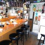 沖縄料理・居酒屋 茶花 - カウンター(5席)